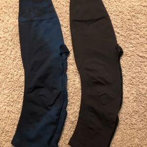 Lot of 2 Flow and Go Crops Size 4